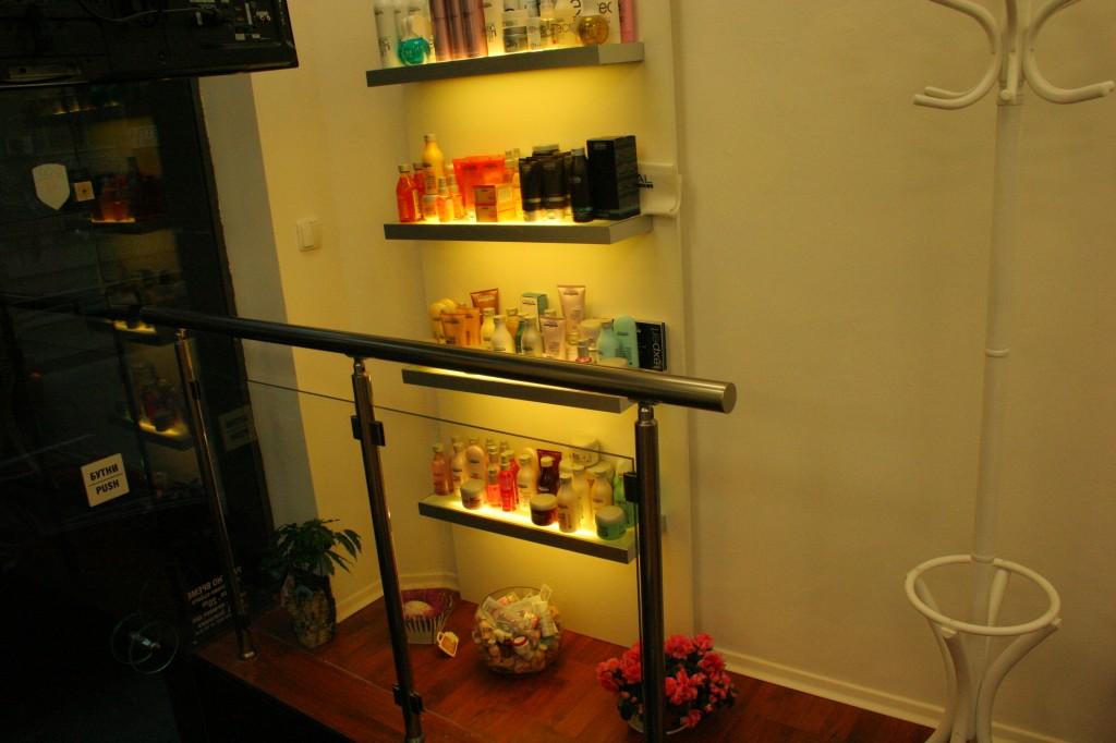 Мебели за фризьорски салон